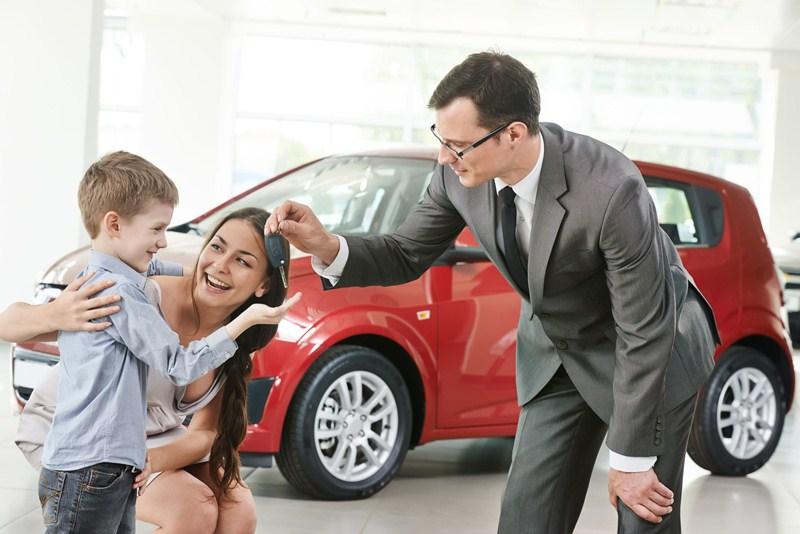 Daling verkoop auto's, bpm-opbrengst licht omhoog